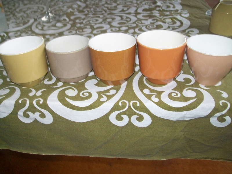 Colour glaze cups or not?   100_5524