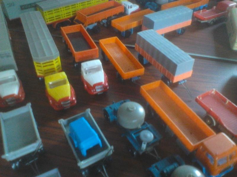 Hier mal eine kleine Sammulung von orginal DDR-Fahrzeugen  Dsc00031