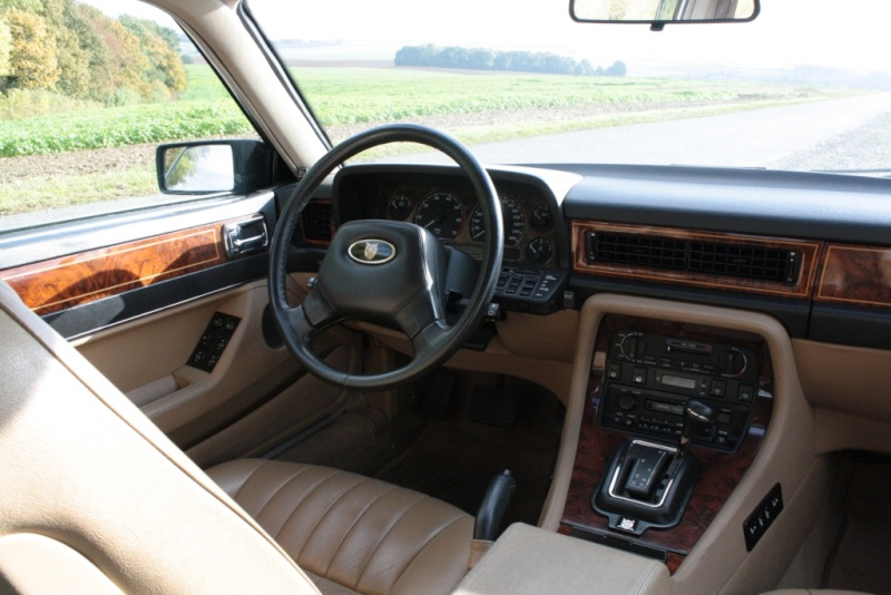 jaguar xj6 xj40 sovereign anciennes autopassion. Black Bedroom Furniture Sets. Home Design Ideas
