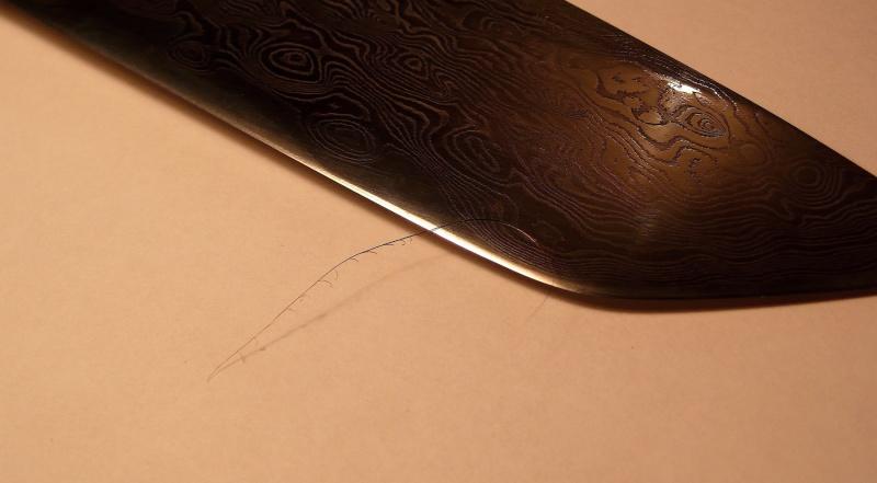 les couteaux industriels  et plus particulièrement ceux de la marque Spyderco - Page 2 P1030610