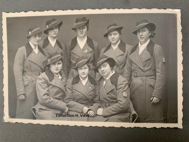 Portraits   - Page 3 Femmes10