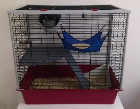Vend lot cage Furat, spoutnik, litière chanvre 14kg entamée et mélange Cage10