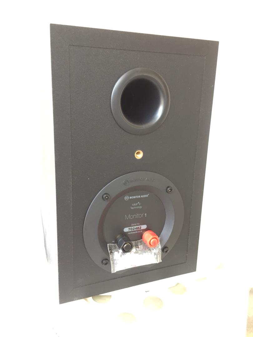 Monitor Audio M-1 surround speaker Monito12