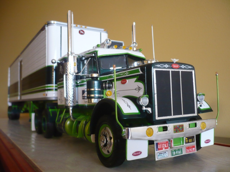 PETERBILT 359(CALIFONIA HAULER)/DRY BOX 40'-COMBO- '' les seventies''  03610