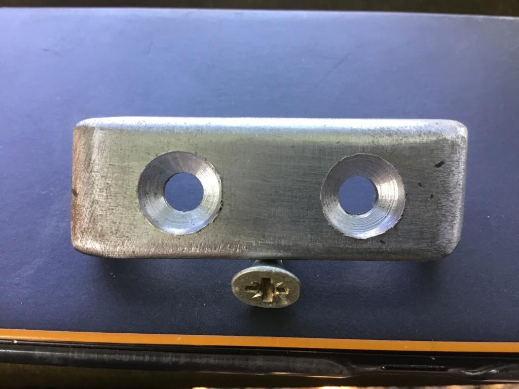 besoin de petites pièces imprimées en 3D pour l'accoudoir Sydmeko  du Duster de 2stair 24696310
