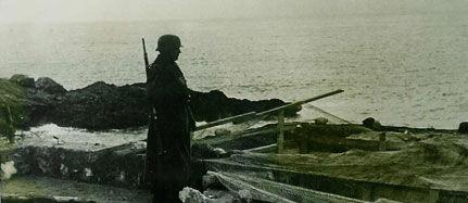 Le phare de Biarritz repeint en noir par les allemands ! en 39-45 30758710