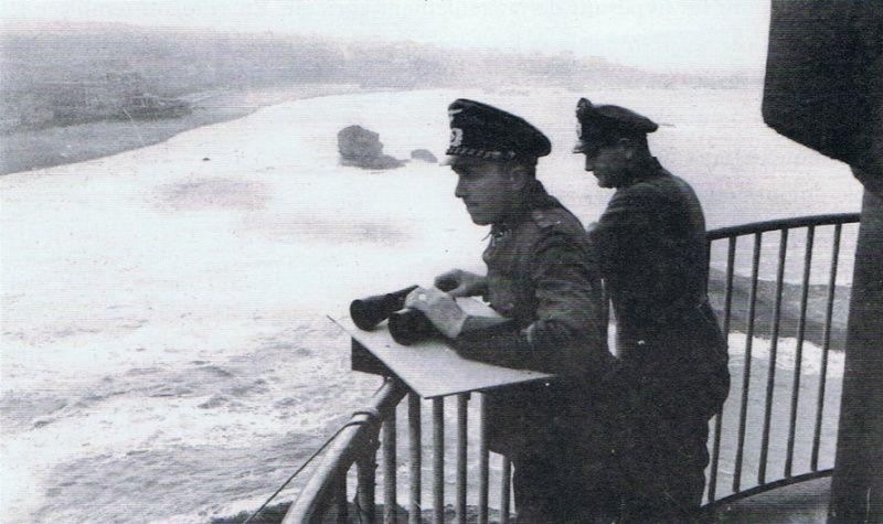 Le phare de Biarritz repeint en noir par les allemands ! en 39-45 64985211