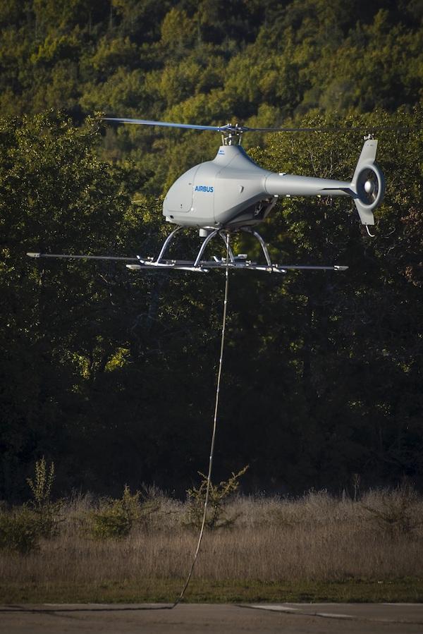Un drone Helico. a l'essai   Cdph-612