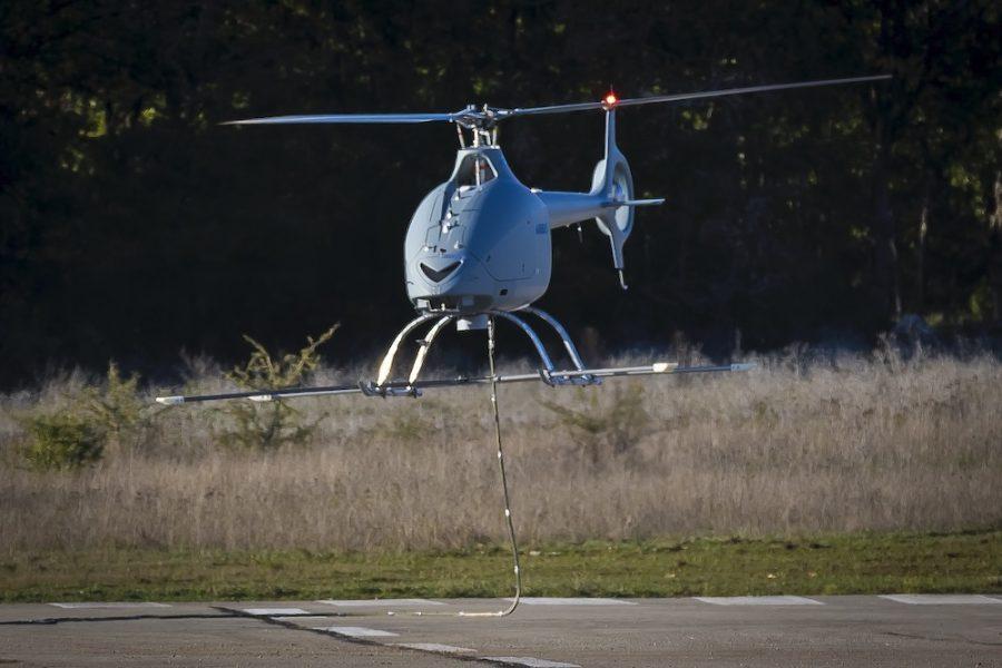 Un drone Helico. a l'essai   Cdph-613