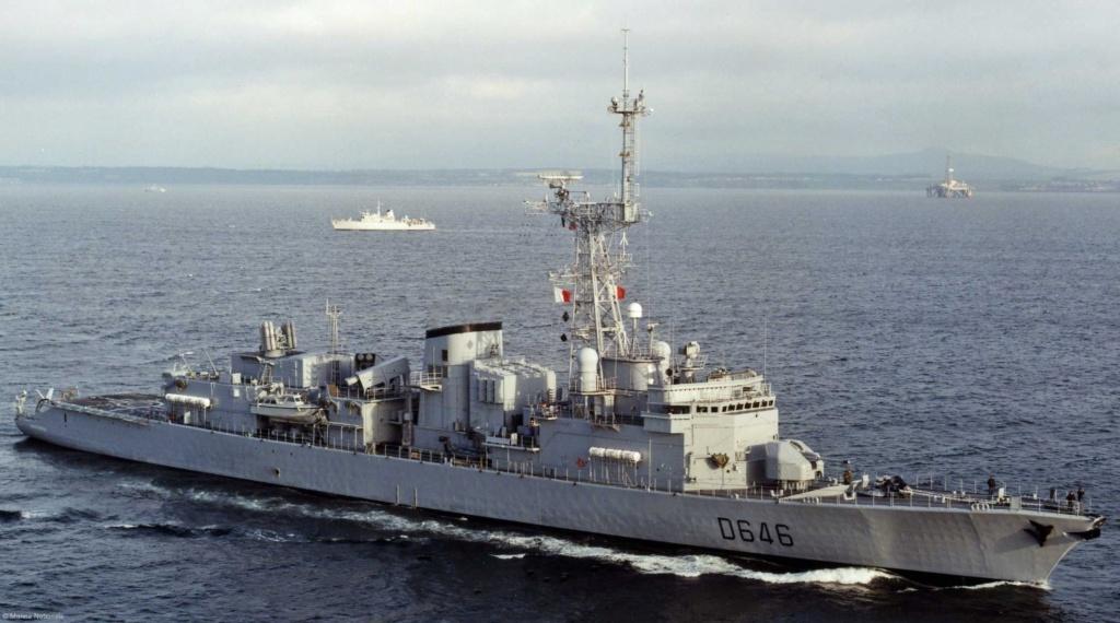La Fregate Latouche -Treville vit ses dernières annees -avantt u désarmement . Servei38