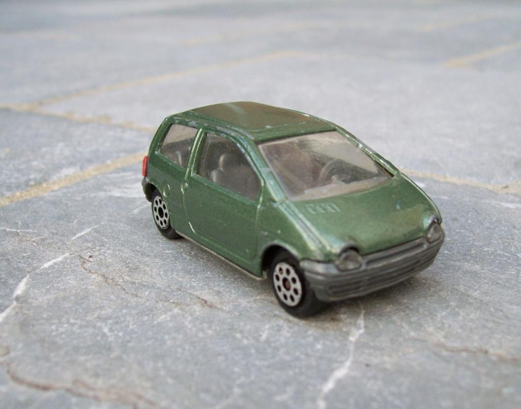 N°206 Renault twingo 1. 126_4011