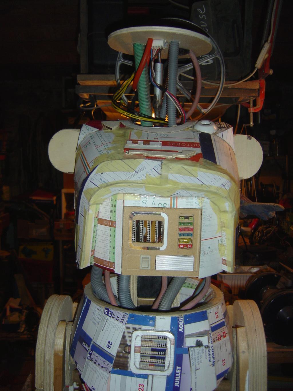 L3-37 le droide du filme solo H_tzot18