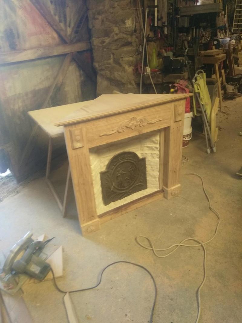 Une fausse cheminée en guise de meuble TV Img_2012