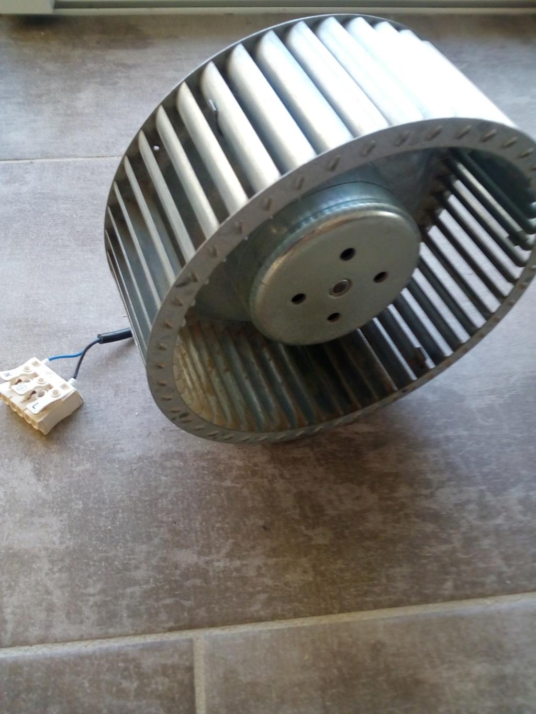 Réduire la vitesse de mon moteur avec un condensateur Img_2011