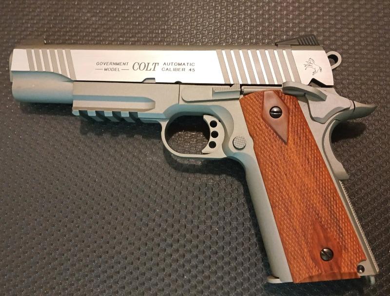Achat plaisir vraiment satisfaisant. Cybergun Colt 1911 rail gun stainless Colt1911