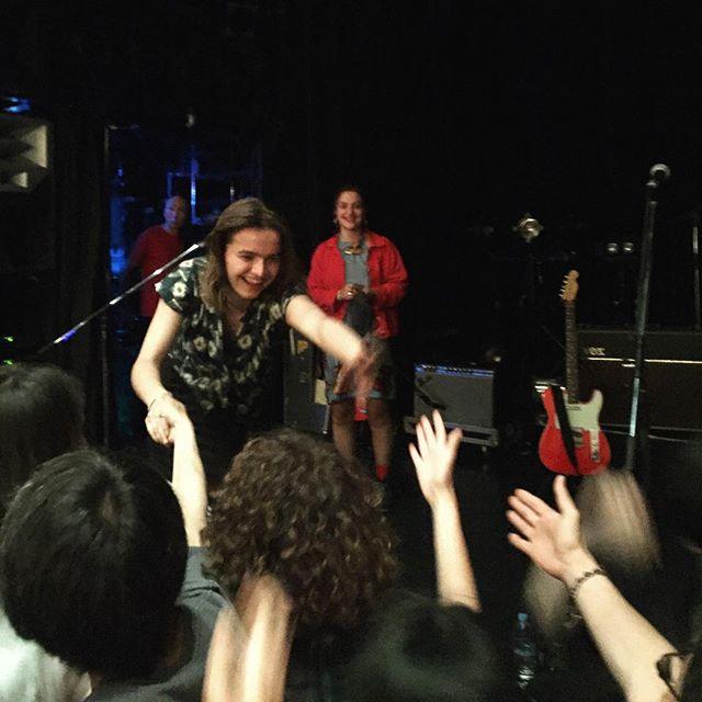 Goat Girl - rocky/grungy/punk - Rock oscuro y sutil - Escena sur de Londres - Página 4 35989410
