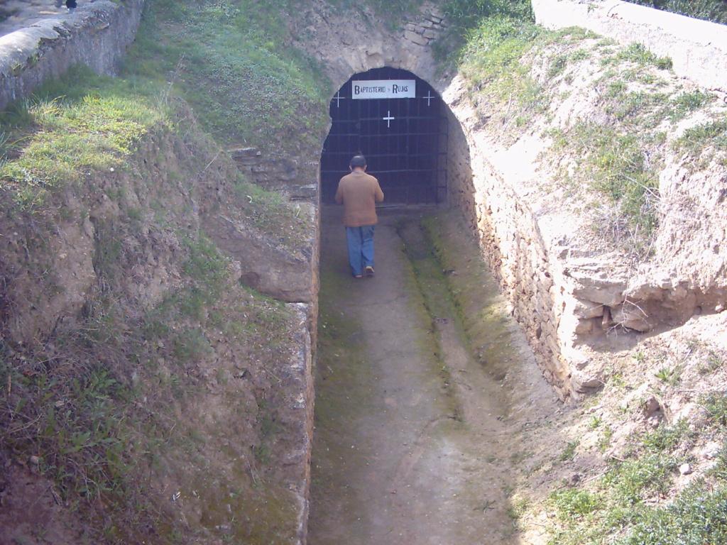 Baptisterio romano del siglo I, Las Gabias, Granada 2004-012