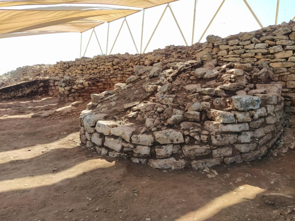 Descubren en Algarinejo una ciudad fortificada con 5.000 años de antigüedad 2021-111