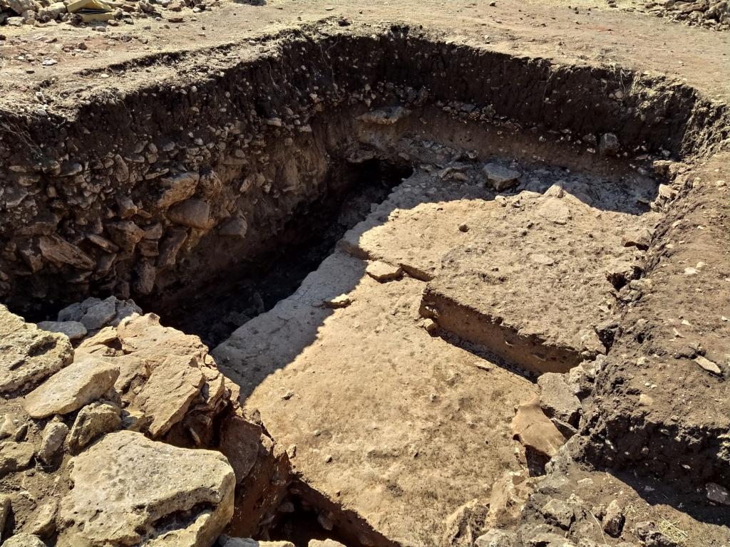 Descubren en Algarinejo una ciudad fortificada con 5.000 años de antigüedad 2021-114