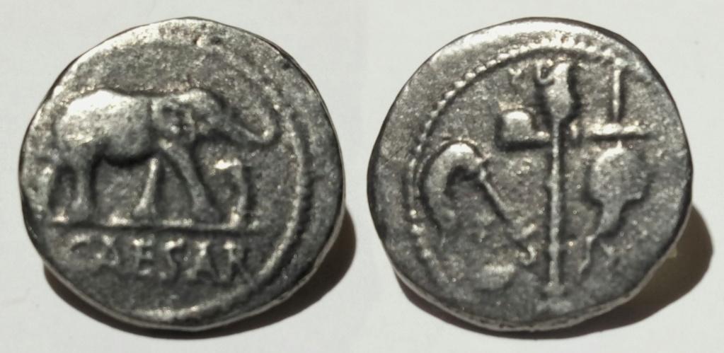 Denario Julio César falso Czesar10