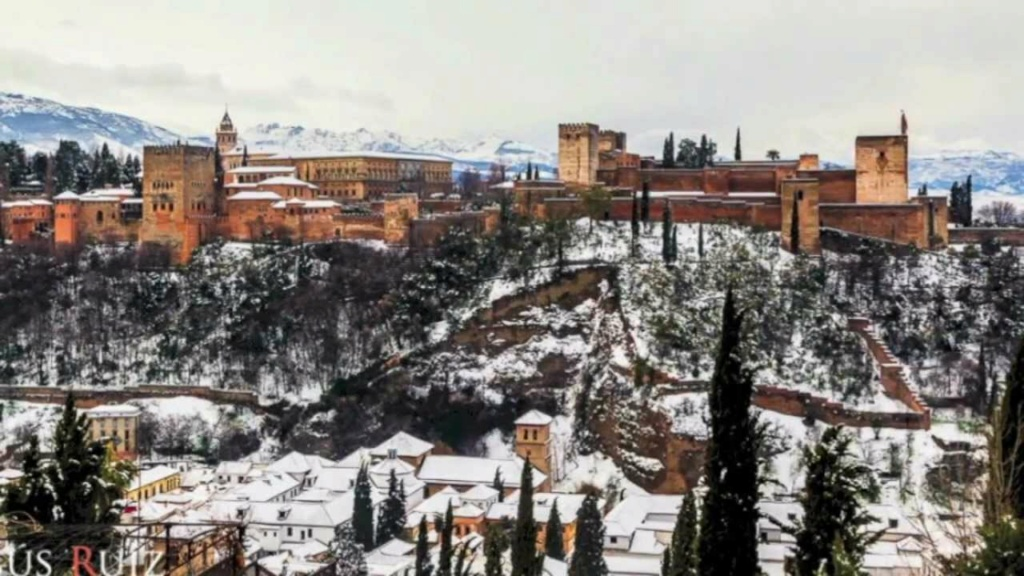 La Alhambra nocturna, espectáculo único Maxres10