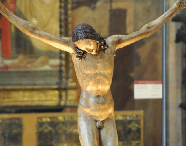 Escultura de María Magdalena destrozada Michel10