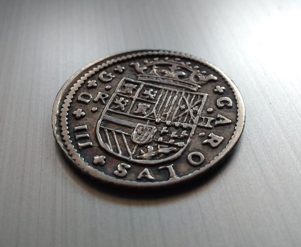 2 Reales de Carlos el Pretendiente, Barcelona, 1711 Recort12