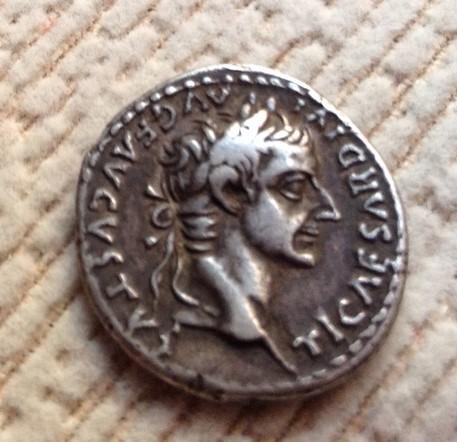 Pecunia omnium magnitudinum - Página 2 Tiberi10