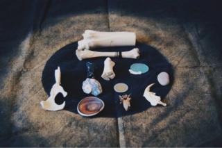 Les diverses méthodes de divination Bone_t10