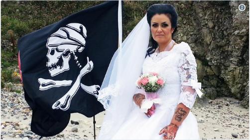Elle divorce d'avec son mari fantôme Captur46