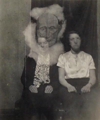 Les photos de fantômes n'étaient que le résultat d'un habile montage Falcon11