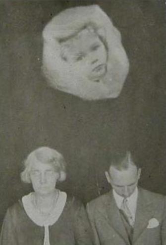 Les photos de fantômes n'étaient que le résultat d'un habile montage Falcon18