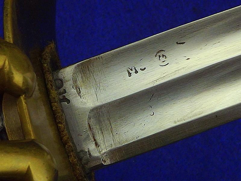identification sabre 11_15810