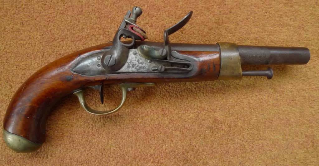 Aide identification pistolet à silex daté de 1811 P1040313