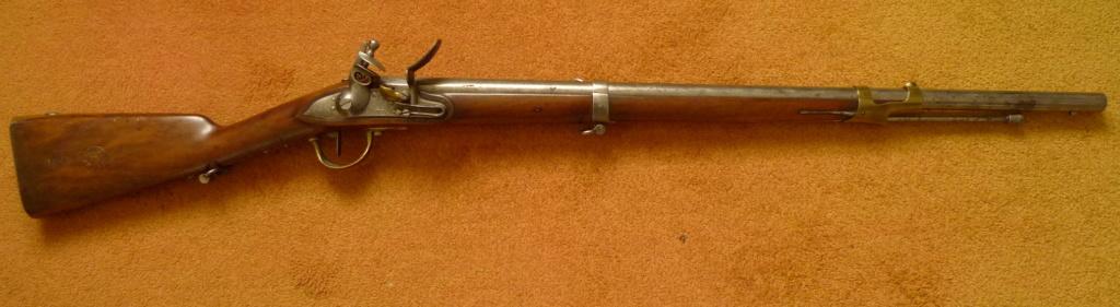 Mousquet de cavalerie Modèle année 9 marquage de la crosse P1060210