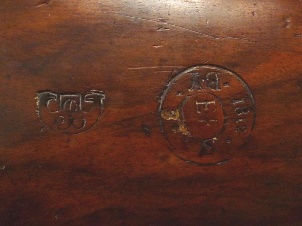 Mousquet de cavalerie Modèle année 9 marquage de la crosse P1060214