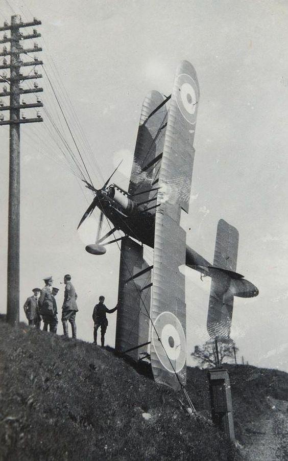 """L' oiseau blessé d'une flèche 1918 -[RODEN] Fokker DR1 1/32 (ROD 605)-[ICM] Ford t touring 1/35 (n°35667) """"FIN"""" - Page 8 106a4d10"""