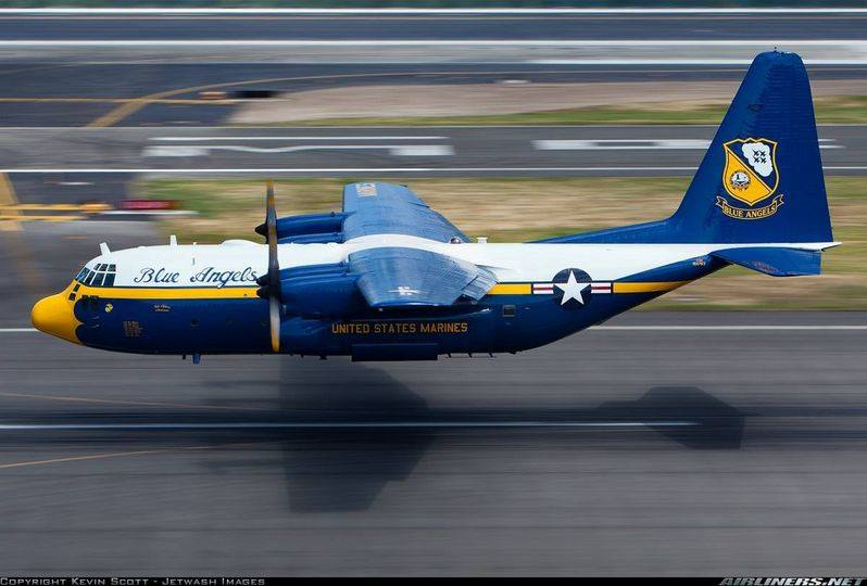 """C-130 Hercules Blue Angels 1/72 """"MPC"""" - Page 4 14564010"""