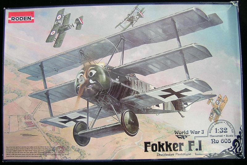 """L' oiseau blessé d'une flèche 1918 -[RODEN] Fokker DR1 1/32 (ROD 605)-[ICM] Ford t touring 1/35 (n°35667) """"FIN"""" 1884-110"""