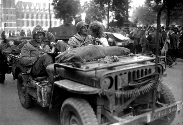 Détente Normandie 1944 - Page 2 1997-810