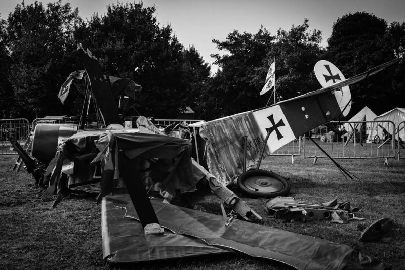 """L' oiseau blessé d'une flèche 1918 -[RODEN] Fokker DR1 1/32 (ROD 605)-[ICM] Ford t touring 1/35 (n°35667) """"FIN"""" - Page 8 34480410"""