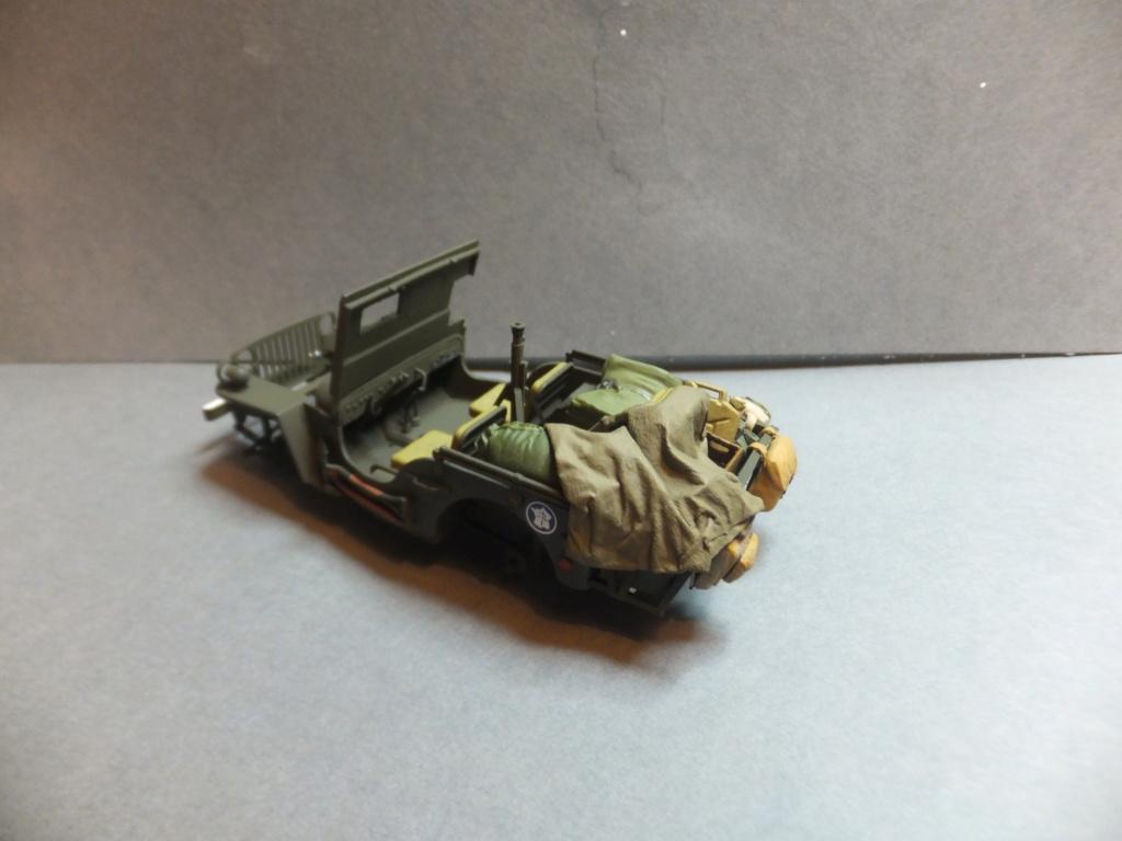 Convergence sur My Tho-Indochine 1945-[Tamiya]-35083- Half Track motar carrier M21-[Italeri]-226-Dodge WC54 ambulance_-314-Jeep willys-1/35 - Page 39 Dscf1413