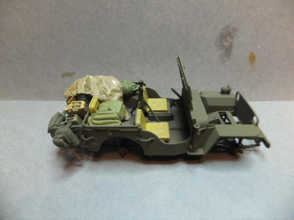 Convergence sur My Tho-Indochine 1945-[Tamiya]-35083- Half Track motar carrier M21-[Italeri]-226-Dodge WC54 ambulance_-314-Jeep willys-1/35 - Page 39 Dscf1414
