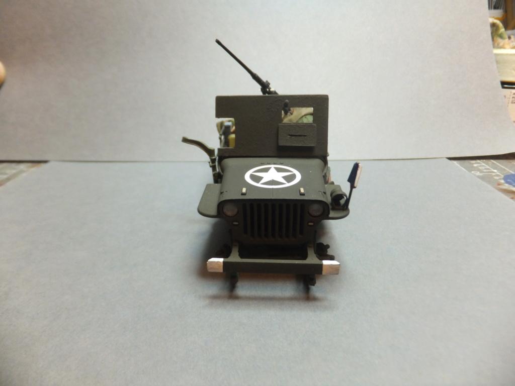 Convergence sur My Tho-Indochine 1945-[Tamiya]-35083- Half Track motar carrier M21-[Italeri]-226-Dodge WC54 ambulance_-314-Jeep willys-1/35-FINI Dscf1424