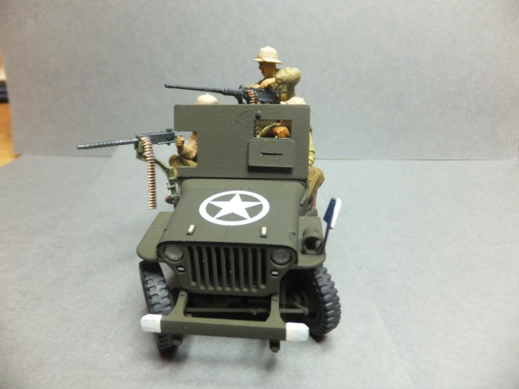 Convergence sur My Tho-Indochine 1945-[Tamiya]-35083- Half Track motar carrier M21-[Italeri]-226-Dodge WC54 ambulance_-314-Jeep willys-1/35 - Page 41 Dscf1428
