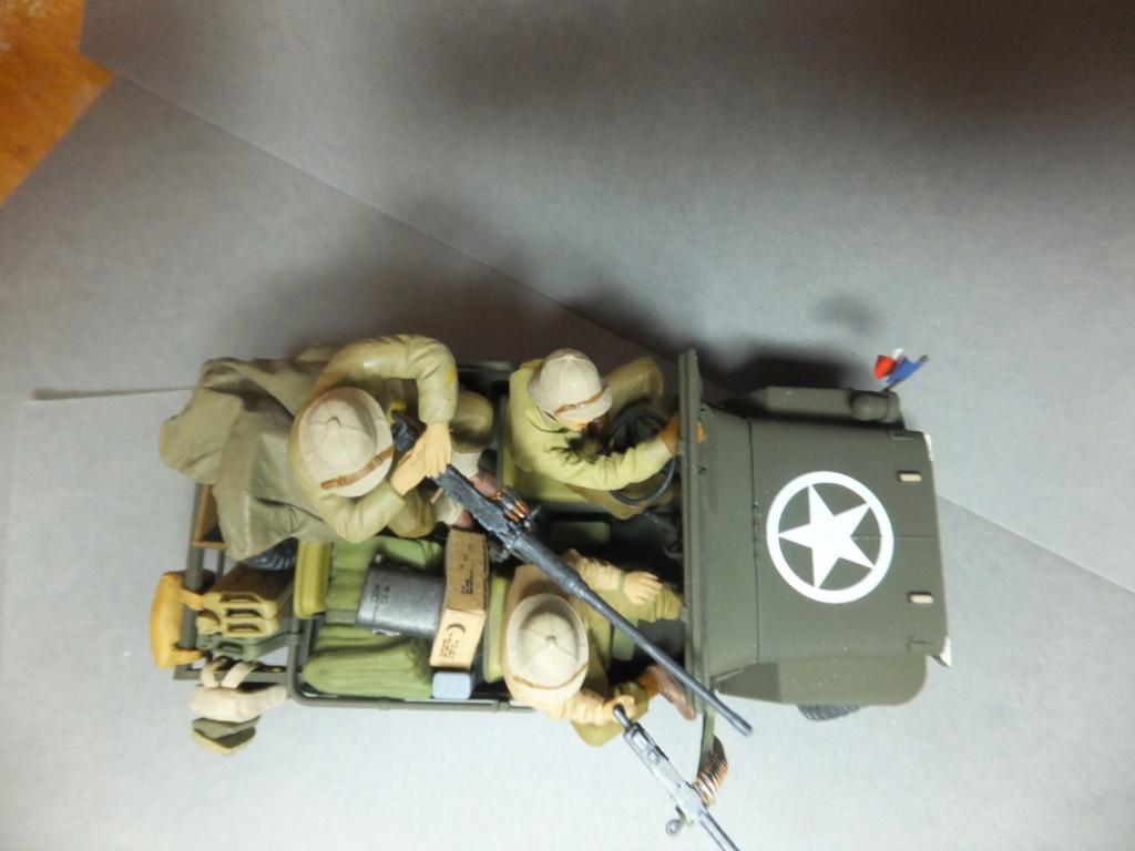 Convergence sur My Tho-Indochine 1945-[Tamiya]-35083- Half Track motar carrier M21-[Italeri]-226-Dodge WC54 ambulance_-314-Jeep willys-1/35 - Page 41 Dscf1429