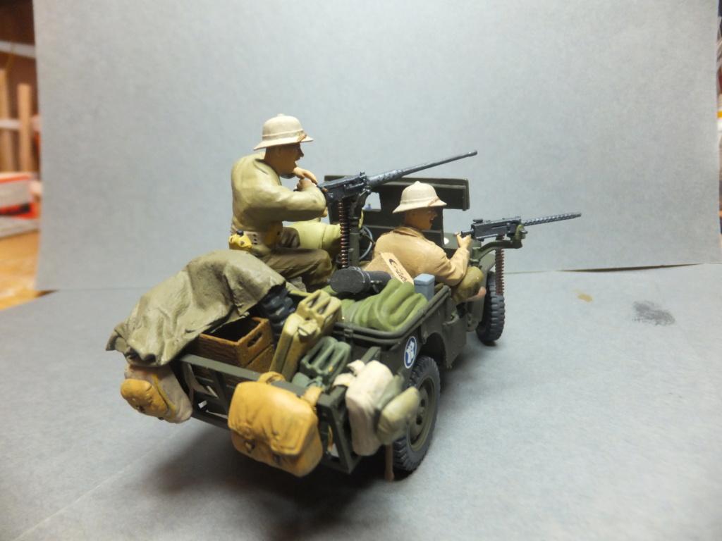 Convergence sur My Tho-Indochine 1945-[Tamiya]-35083- Half Track motar carrier M21-[Italeri]-226-Dodge WC54 ambulance_-314-Jeep willys-1/35 - Page 41 Dscf1431