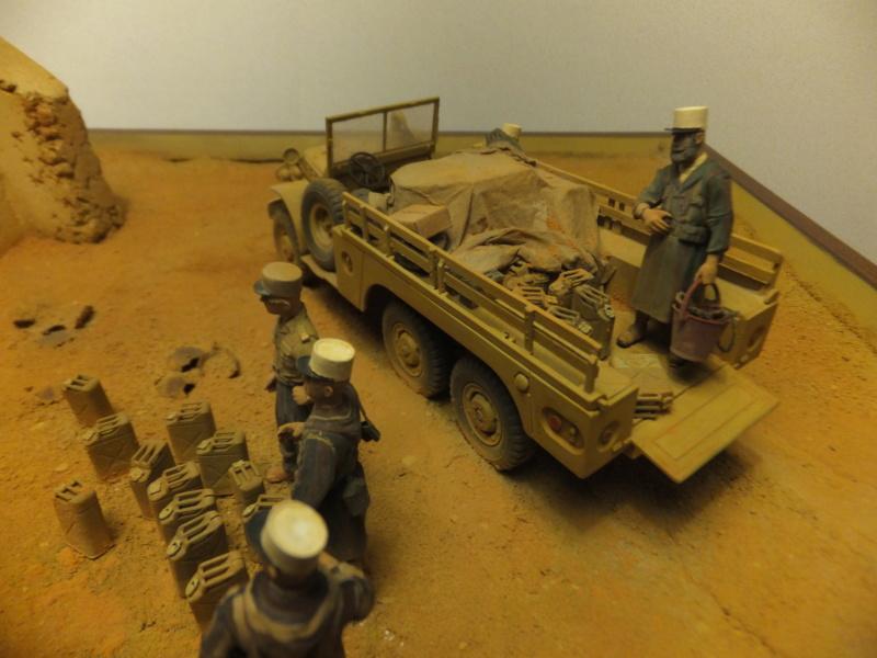 """Corvée d' eau saharienne-Légion étrangère-[tamiya] Jeep, [italeri] Dodge wc 62 1/35 Goumier ICM indigène MB """"FIN"""" - Page 7 Dscf6724"""