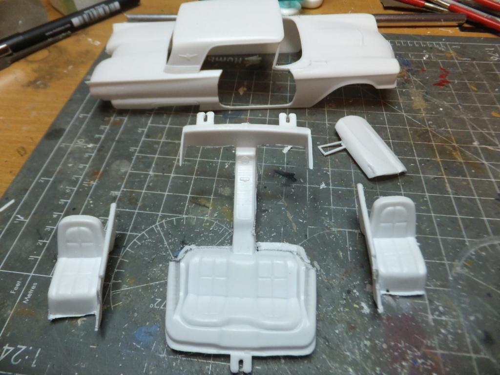 Défi montage maquette : AMT réf. 1135 1960 Ford Thunderbird 1/32 *** Terminé en pg 4 Dscf7326