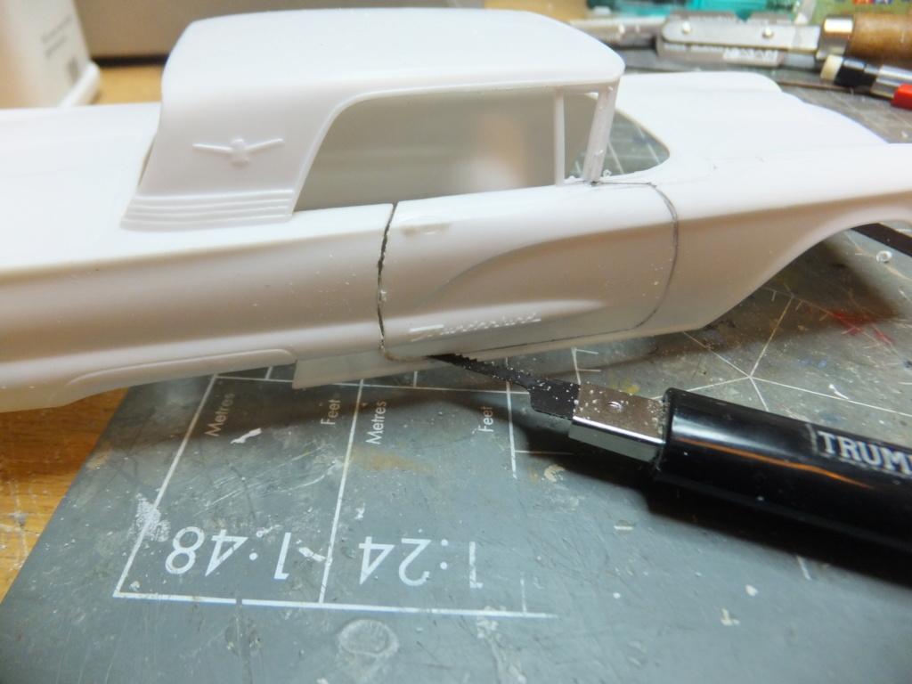 Défi montage maquette : AMT réf. 1135 1960 Ford Thunderbird 1/32 *** Terminé en pg 4 Dscf7328
